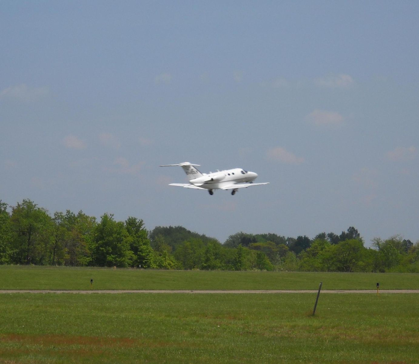 Planes departing from Jefferson County Airpark